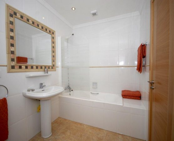 4.Bathroom -Apt3(1)