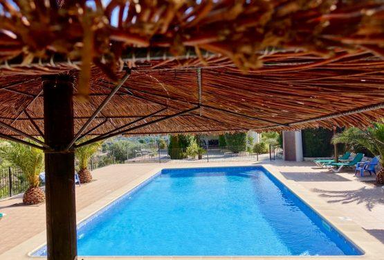 piscina piscina sombrilla